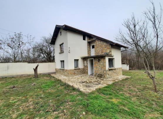 Продажби: Къща - с. Хубавене, № 4016